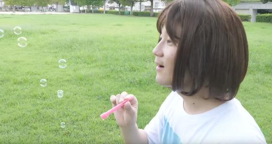 【悲報】本田翼より登録者が多い女性Youtuber「むしりん」が可愛すぎると話題に