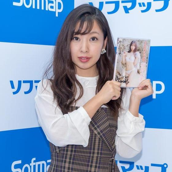 【速報】板野友美の妹、ソフマップデビュー!意気込みはと聞かれ何でもやります!!!