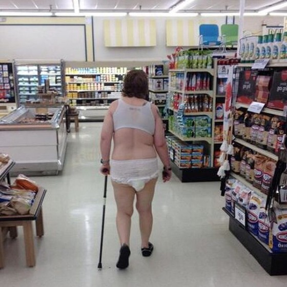 the_people_of_walmart_are_a_kind_of_their_own_640_24