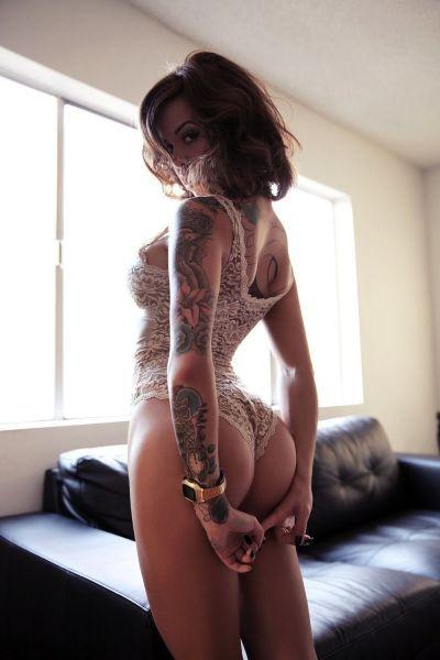 hot_and_hardcore_tattooed_girls_640_04