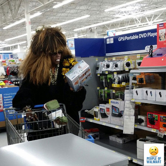 the_people_of_walmart_are_a_kind_of_their_own_640_44