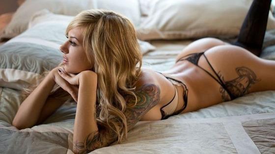 hot_and_hardcore_tattooed_girls_640_18
