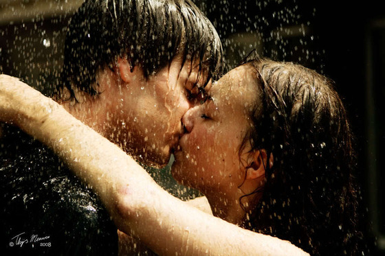 Girl-Boy-Kissing-deviantart-15923245-1023-682