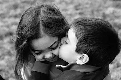 kids_kiss-12588