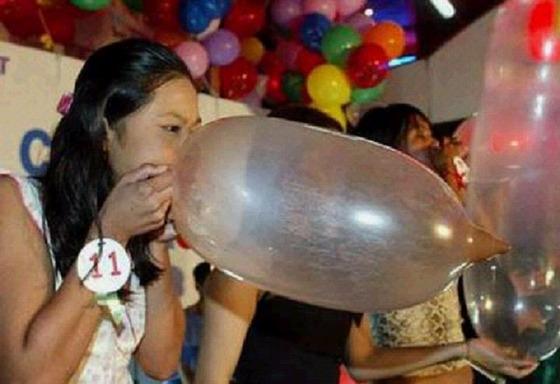 Condom_Balloon