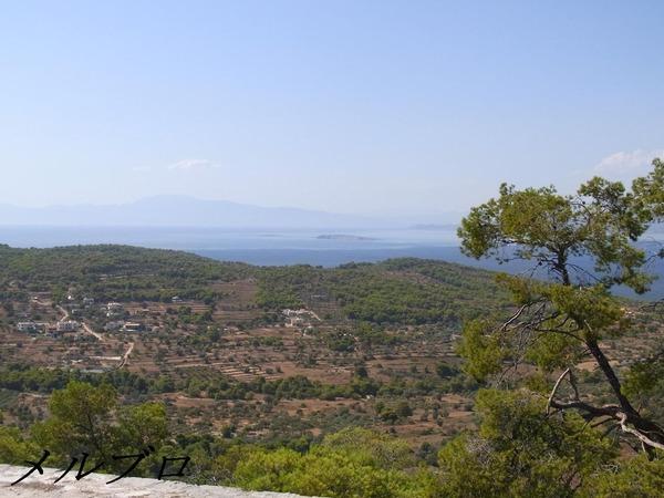 山からのエギナ島の風景