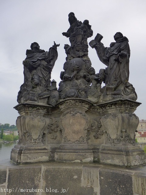 14_聖母と聖ドミニクス、トマス、アクィナス像