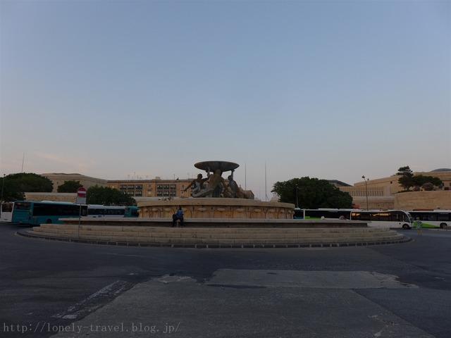 トリトン噴水 Triton Fountain