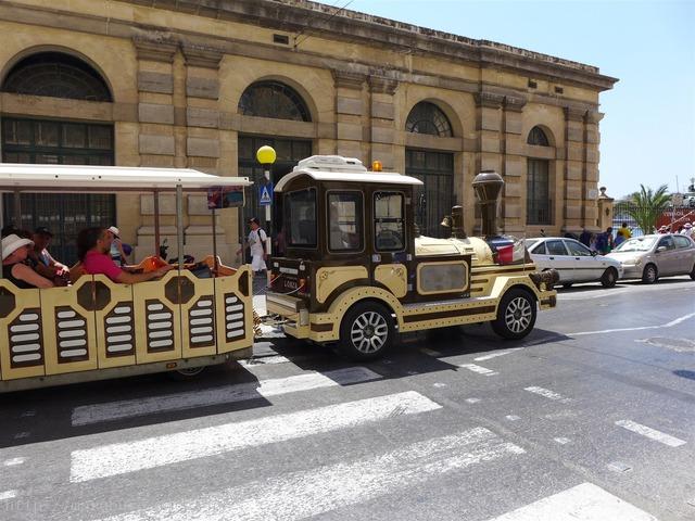 ヴァレッタ観光バス