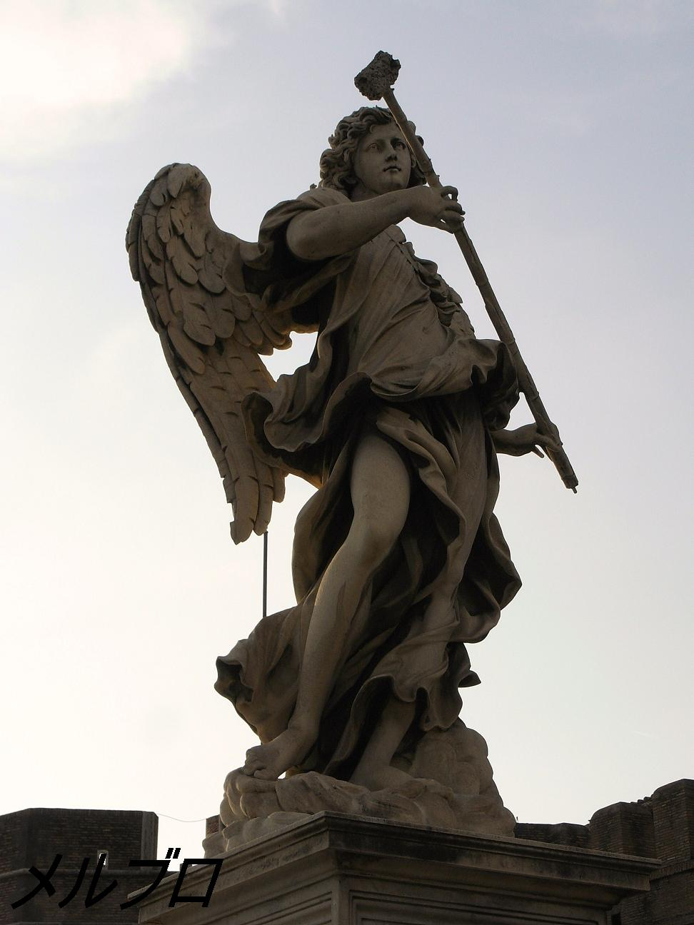 天使の像2