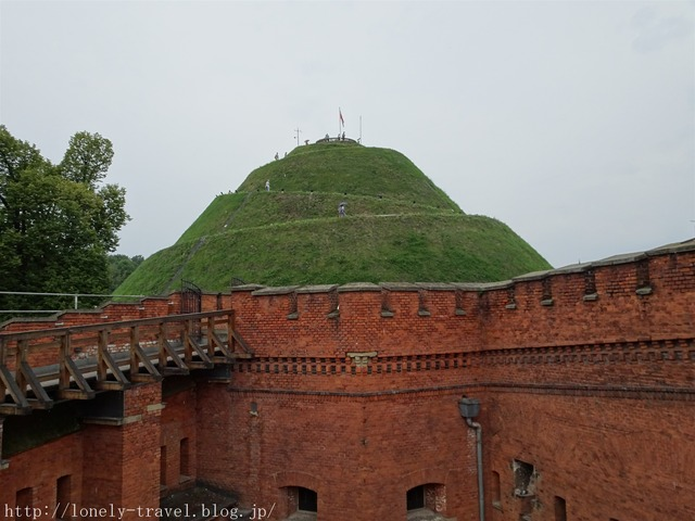 コシチェシコ山 Kosciuszko's Mound
