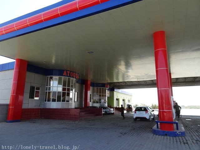 ウズベキスタンのガソリンスタンド