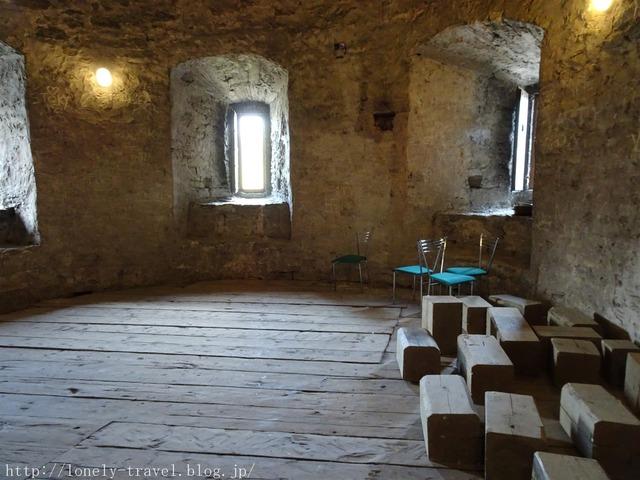 城壁入口(修道女の塔)