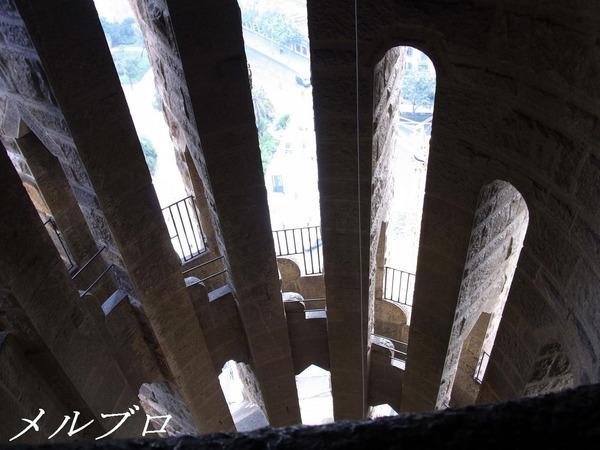 サグラダ・ファミリア階段