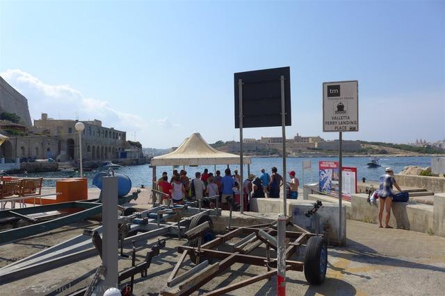 スリーマへのフェリー Sliema Ferry