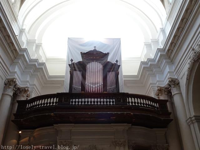 ワルシャワ ヴィジトキ教会