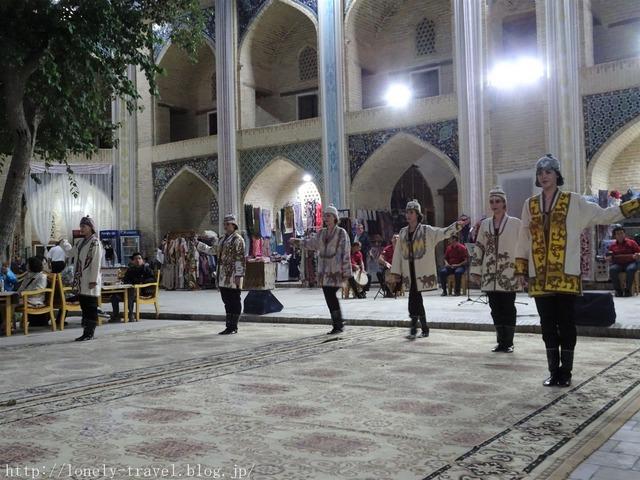 ブハラ民族舞踊ショー