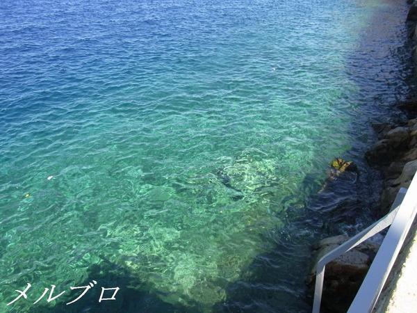 イドラ島の海