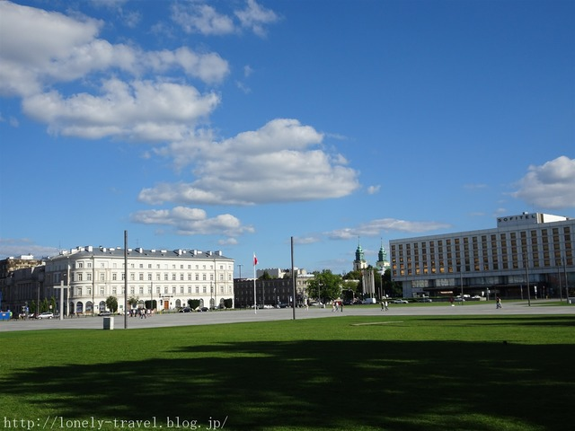 ピウスツキ広場(独立広場)