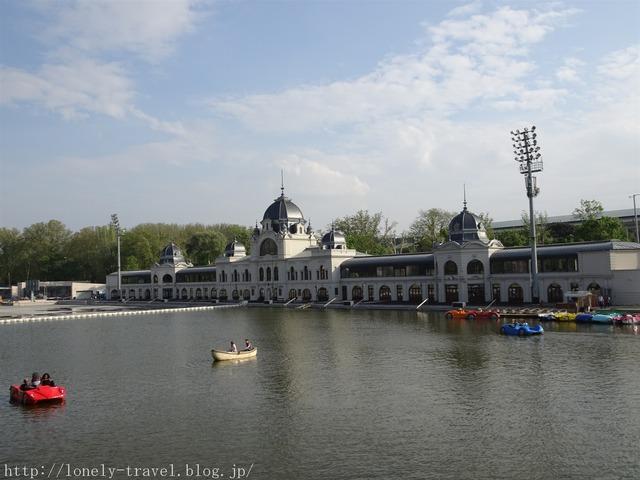 ヴァイダフニャディ城