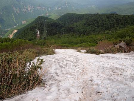 下りの雪渓