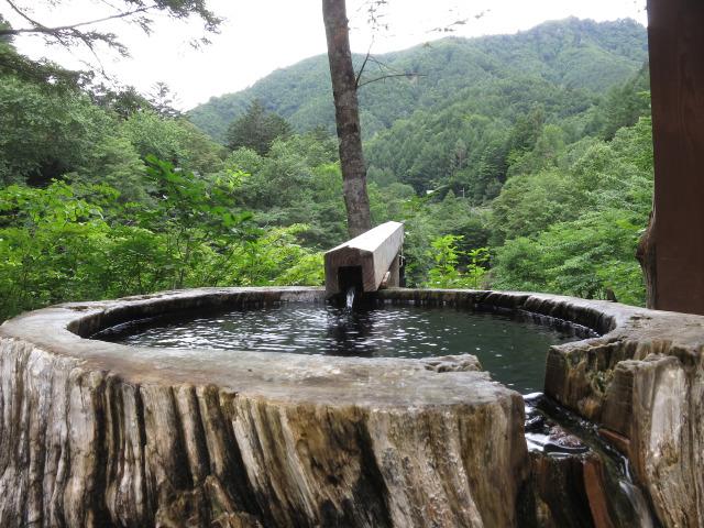 丸太風呂(1)