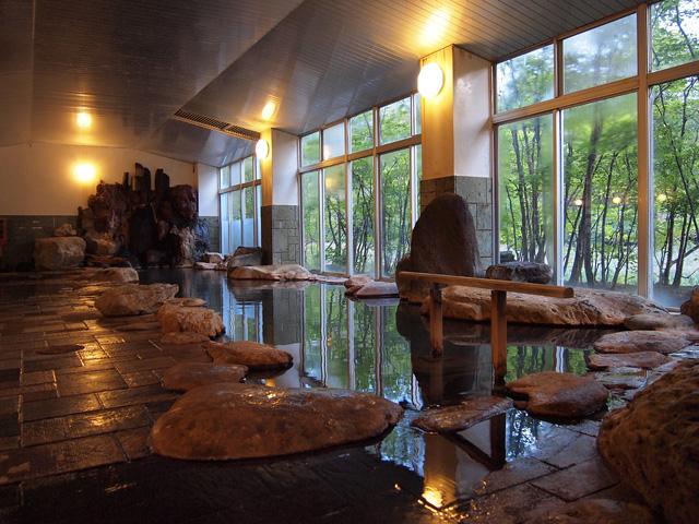 銀婚湯 渓流の湯