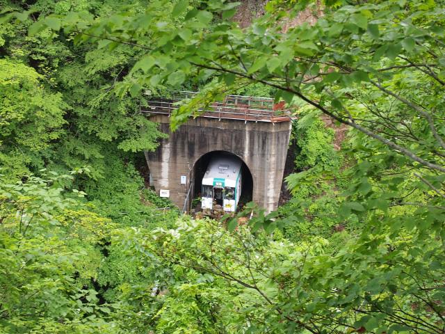 トンネル通過