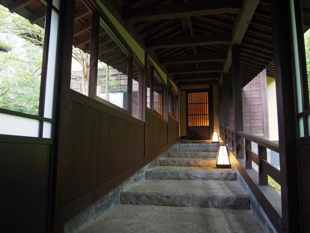 客室棟への階段
