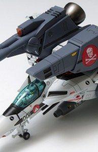 1/100 超時空要塞マクロス 愛・おぼえていますか VF-1S ストライクバルキリー ファイター 一条輝 機