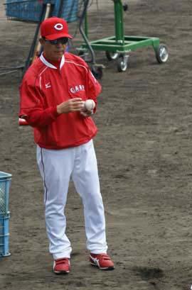 新井宏昌コーチ