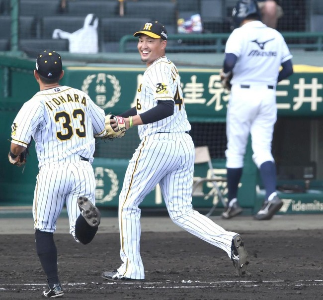 阪神・秋山拓巳(ストレート平均130km/h台) 5勝1敗 防御率3.06