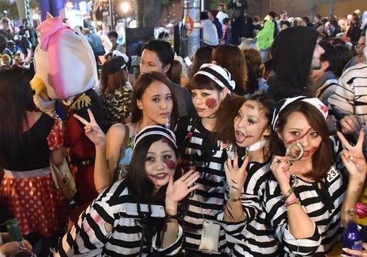 日本人「ハロウィンは馬鹿が暴れるから糞!ゴミ撒き散らすな!もう辞めるべき!!」