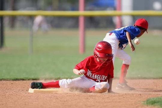 baseball-1489379_960_720-min