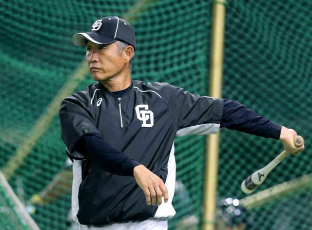 辻監督「野球は守備! 外野に打率1割!」 金本監督「野球は打撃! ファイアーフォーメーション!」