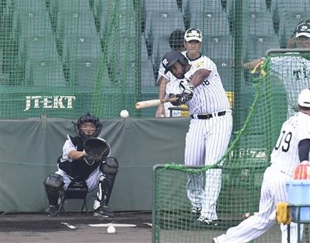 阪神ロジャース、39スイングで柵越え2本wwwwwwwwwwww