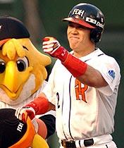 2003年城島健司(ダ) .330 34本 119打点 盗塁阻止率.427