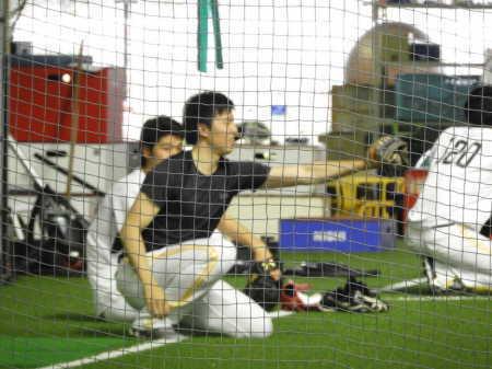 【朗報】田中正義さん(右肩負傷中)、10m投げる「これが今の自分の全力」