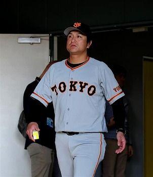 高橋由伸「(広島相手に4連敗で今季1勝7敗)言われなくても分かっている。考えますよ」と憮然