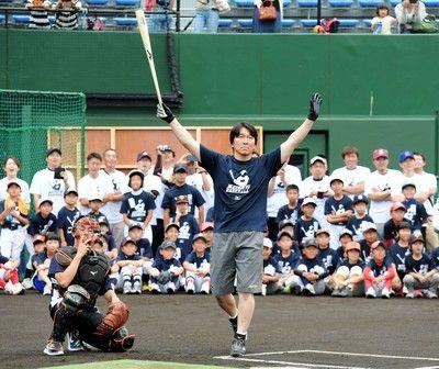 【定期】松井秀喜さん、巨人監督就任を否定「いまは由伸の応援団です」