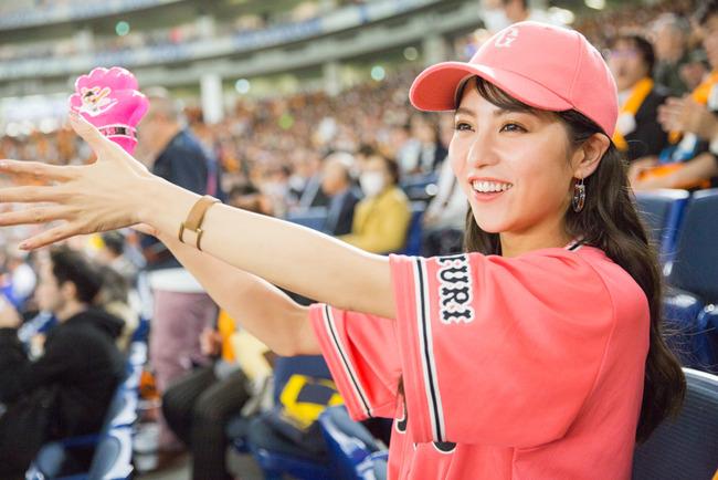 ジャイアンツ 女 ファン 応援 観戦 東京ドーム (4)