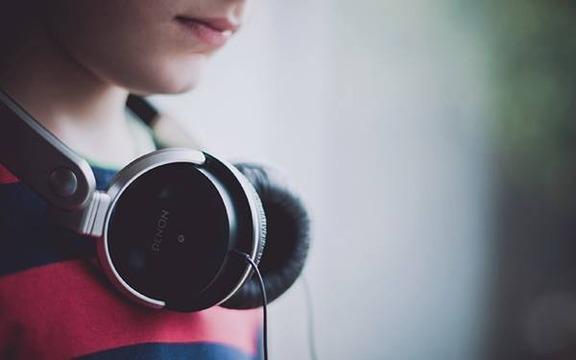 wallpaper-headphones-photo-01