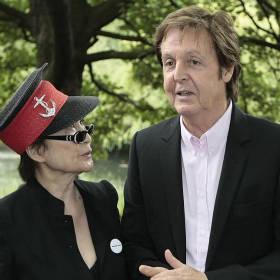 ビートルズの解散「ヨーコのせいじゃない」ポール・マッカートニー氏が明言 マッカートニー氏は、英著