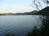 平荘湖の全景
