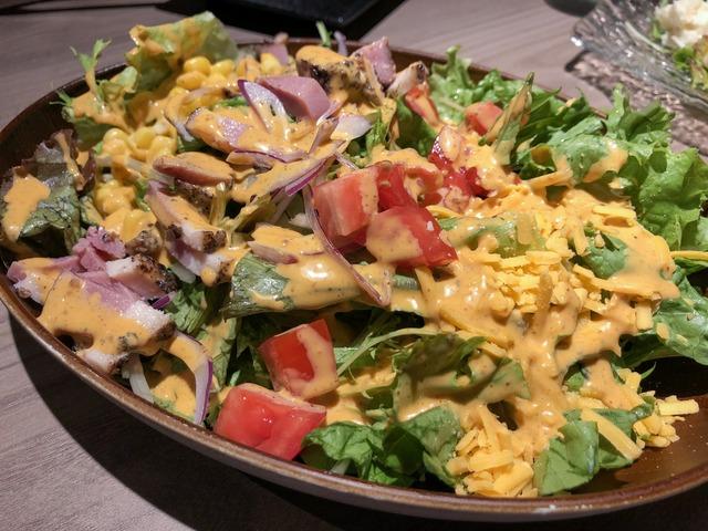 ボリューム満点のコブサラダ