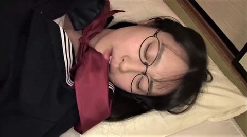 メガネ地味子・本澤朋美
