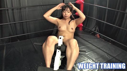 咲坂花恋が全裸で腹筋