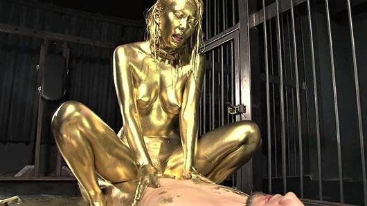 金粉まみれの波多野結衣