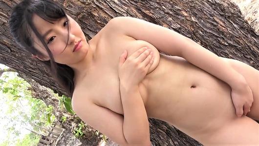 宝生美亜の手ブラ