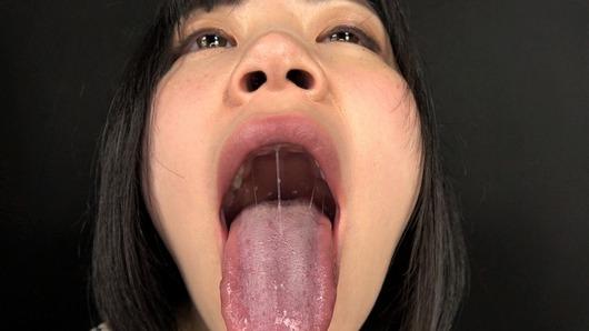 佐野あいの舌と鼻の穴